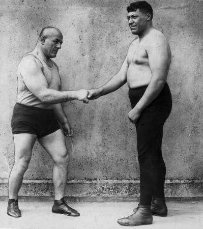 Ike_Robin_and_Stanislaus_Zbyszko_(1926)