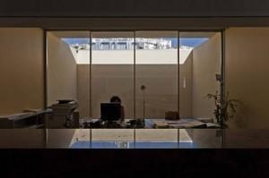50aeef6ab3fc4b2785000121_hotel-catering-school-eduardo-souto-de-moura-graca-correia_lfa_20110202_102-528x351
